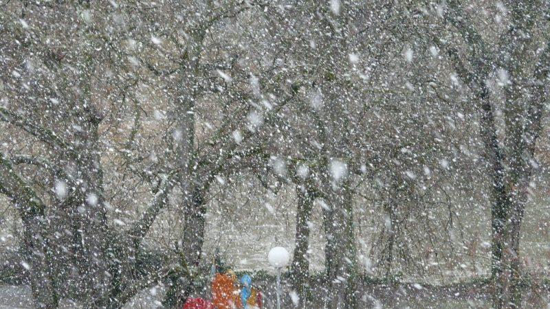 北海道上空に発達した低気圧
